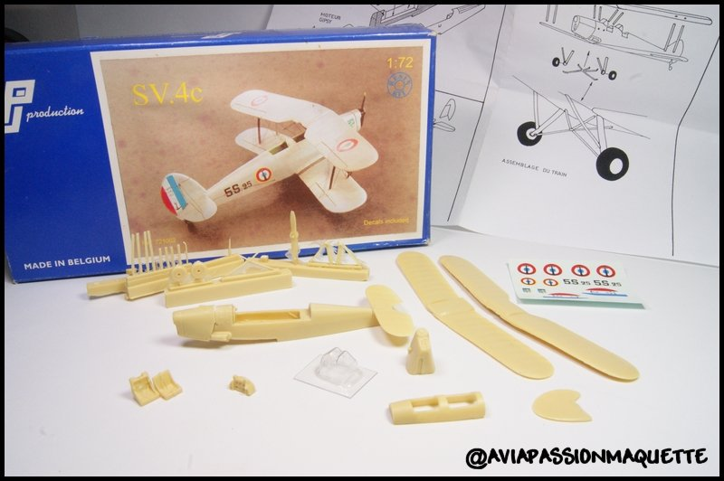 Maquette en bois d'un avion Stampe Bois+ Le Bouvet